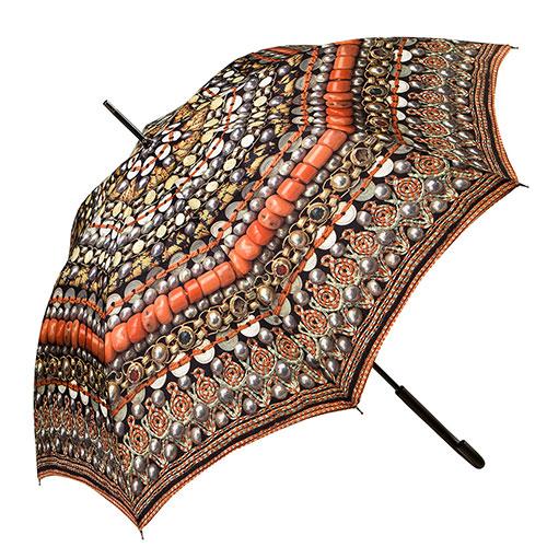 מטרייה מעוטרת בדגמי רקמת פתילים