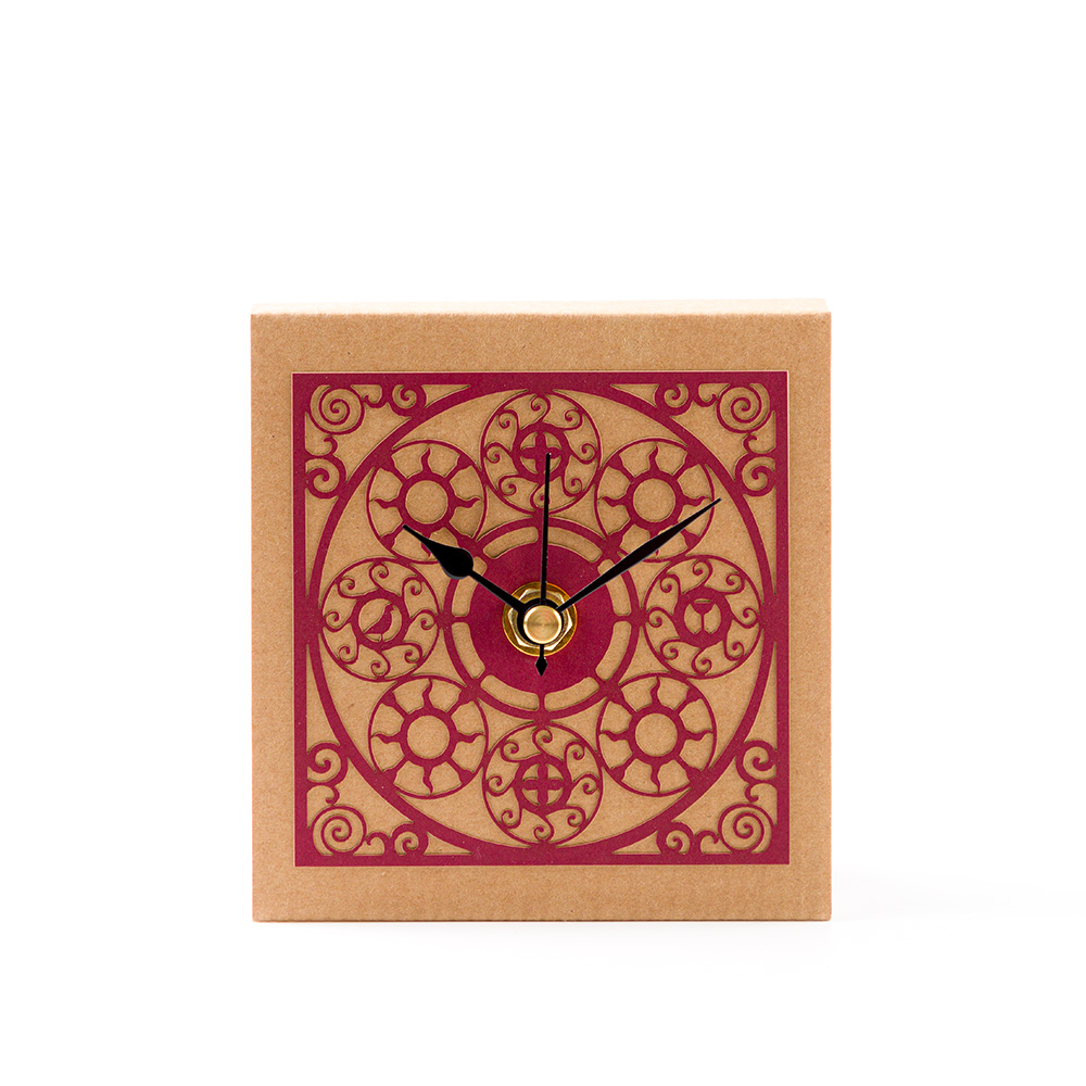 שעון שולחני בדגם מדליונים – אדום